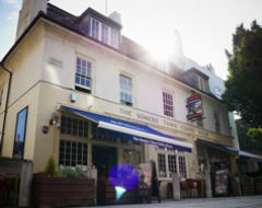 Carbon Free Dining - The Alfred Tennyson - Yummy Pubs